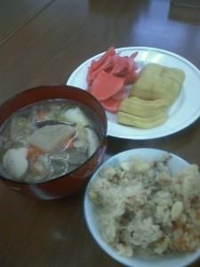 サンネットのお雑煮と豆ご飯