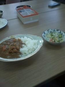 サンネット昼食交流(カレー、春雨サラダ、かぶの漬物)